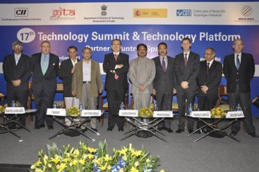 Inaugural session of the Summit, with adresses by the Indian Minister of Science and Technology, the Spanish Secretary General for Innovation, the Ambassador of Spain to India and the Secretary General of the SICF, among others