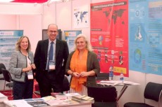 The Secretary General of the Foundation with the staff responsible for the MICINN's exhibition booth