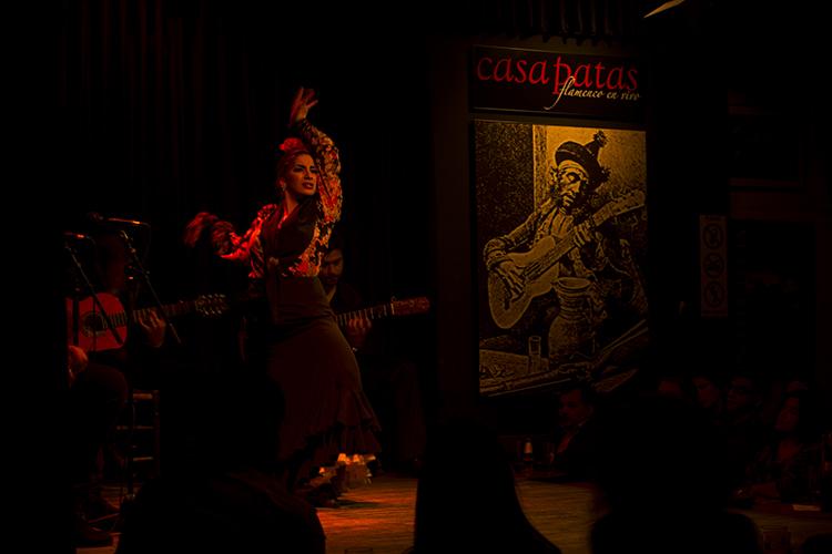Casa patas noche de arte flamenco y sabor espa ol fundaci n consejo espa a india - Casa patas flamenco ...